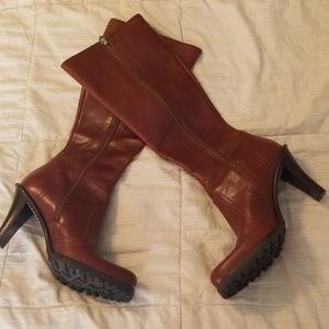 Ladies Arturo Chiang heeled boots, size 7